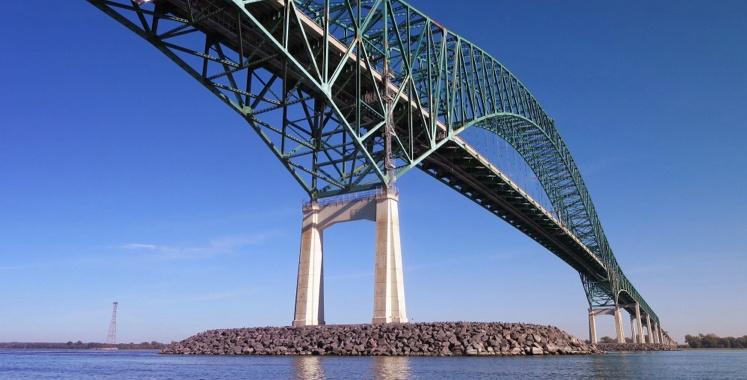 Metal bridge on the way into Trois-Rivieres