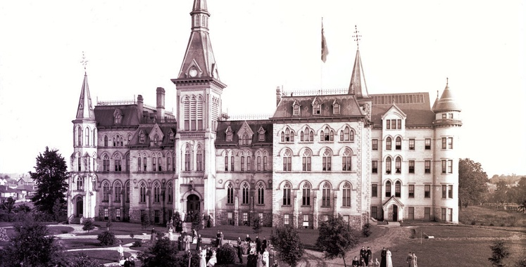 Black and white old fashioned photo of Alma College