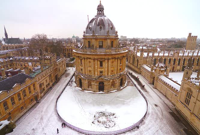Top 10 most beautiful universities in the snow that will make you want to study in the UK
